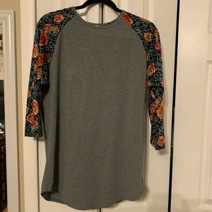 LulaRoe Long sleeve top. Great for the summer!